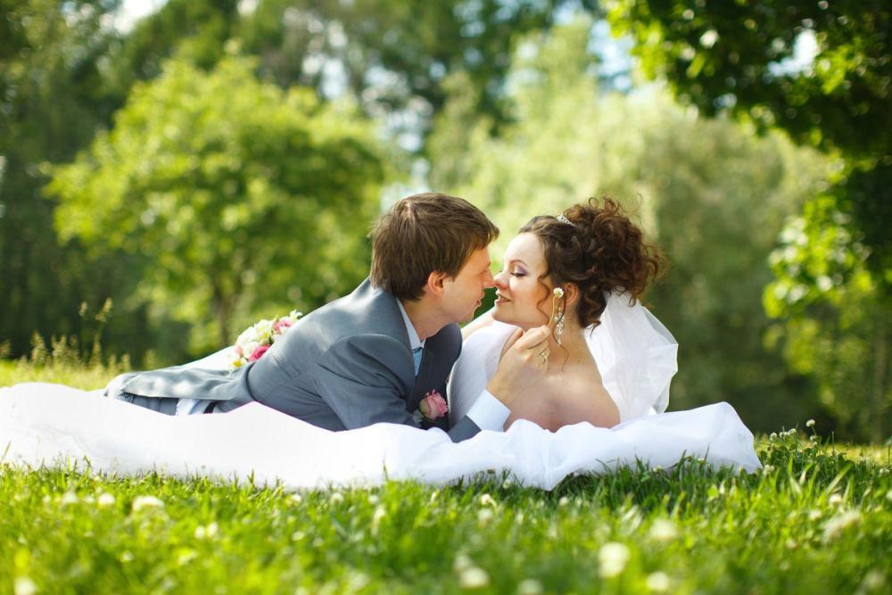 Позы для свадебных фото секреты